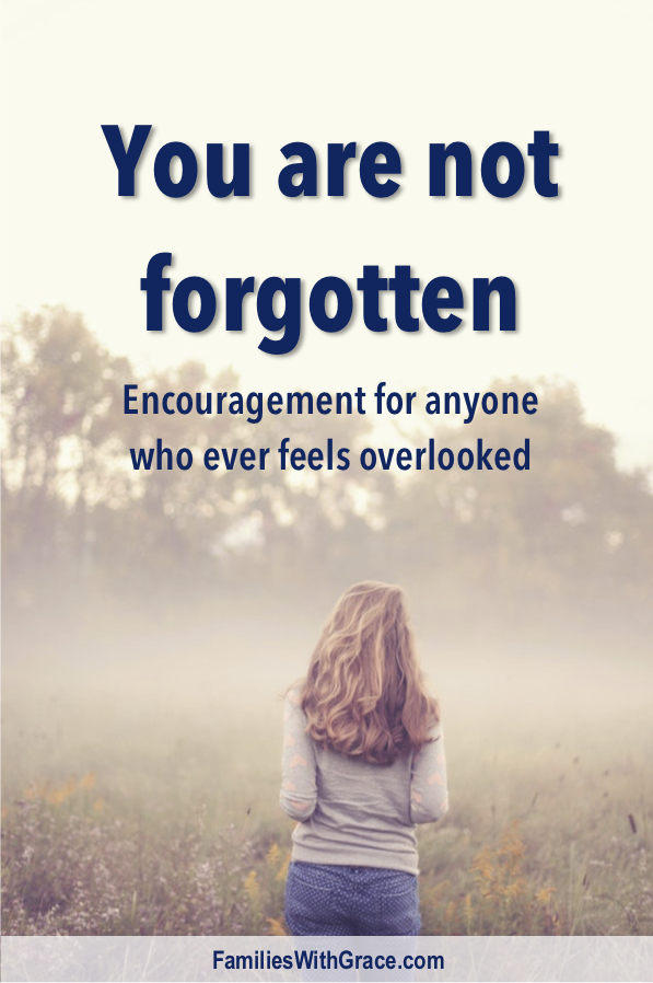 Feeling forgotten is hurtful and hard. And moms of young children, especially, can struggle with feeling forgotten. But God has never forgotten us! #Moms #MomLife #MomBlog #MomBlogger #Forgotten #Encouragement